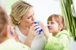 промывание носа солевым раствором детям