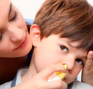 Вылечить насморк ребенку