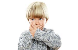 Причины появления запаха изо рта у детей