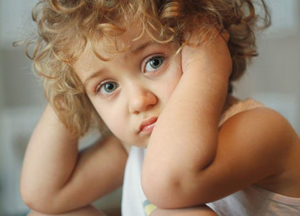 у ребенка звенит в ушах