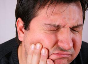 когда сильно болит зуб и ухо