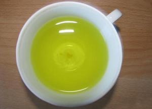 использование раствора фурацилина для полоскания горла