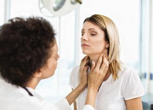 применяют ли полоскание горла фурацилином при ангине