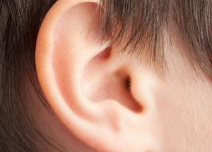 неотложная первая помощь когда болит ухо