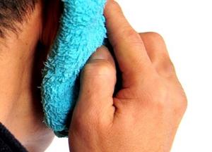как делать компресс на ухо правильно