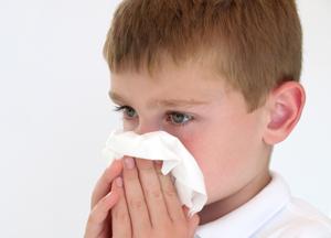 откуда берутся корочки в носу у ребенка