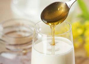 эффективное лечение кашля молоком с медом