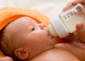 что делать, если новорожденный много чихает