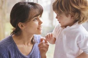 ухо плохо слышит к ребенка но не болит